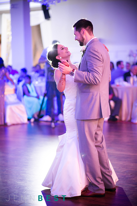 JENN BEST PHOTOGRAPHY Vancouver Wedding Photographer, Beautiful first dance, wedding dance
